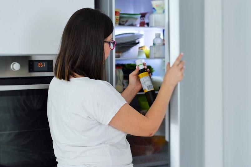 Jak przechowywać produkty w lodówce, by dłużej były smaczne i świeże?