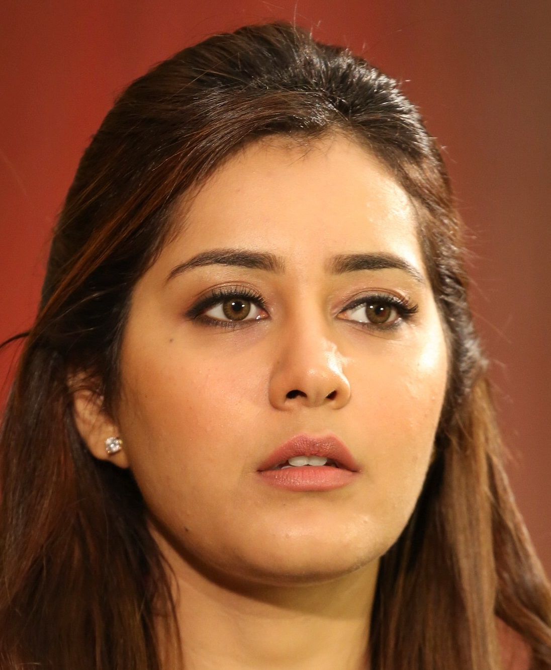 Top 10 Raashi Khanna Face Close Up Photos