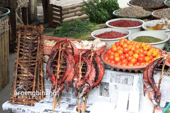pasar tondano minahasa sulawesi utara