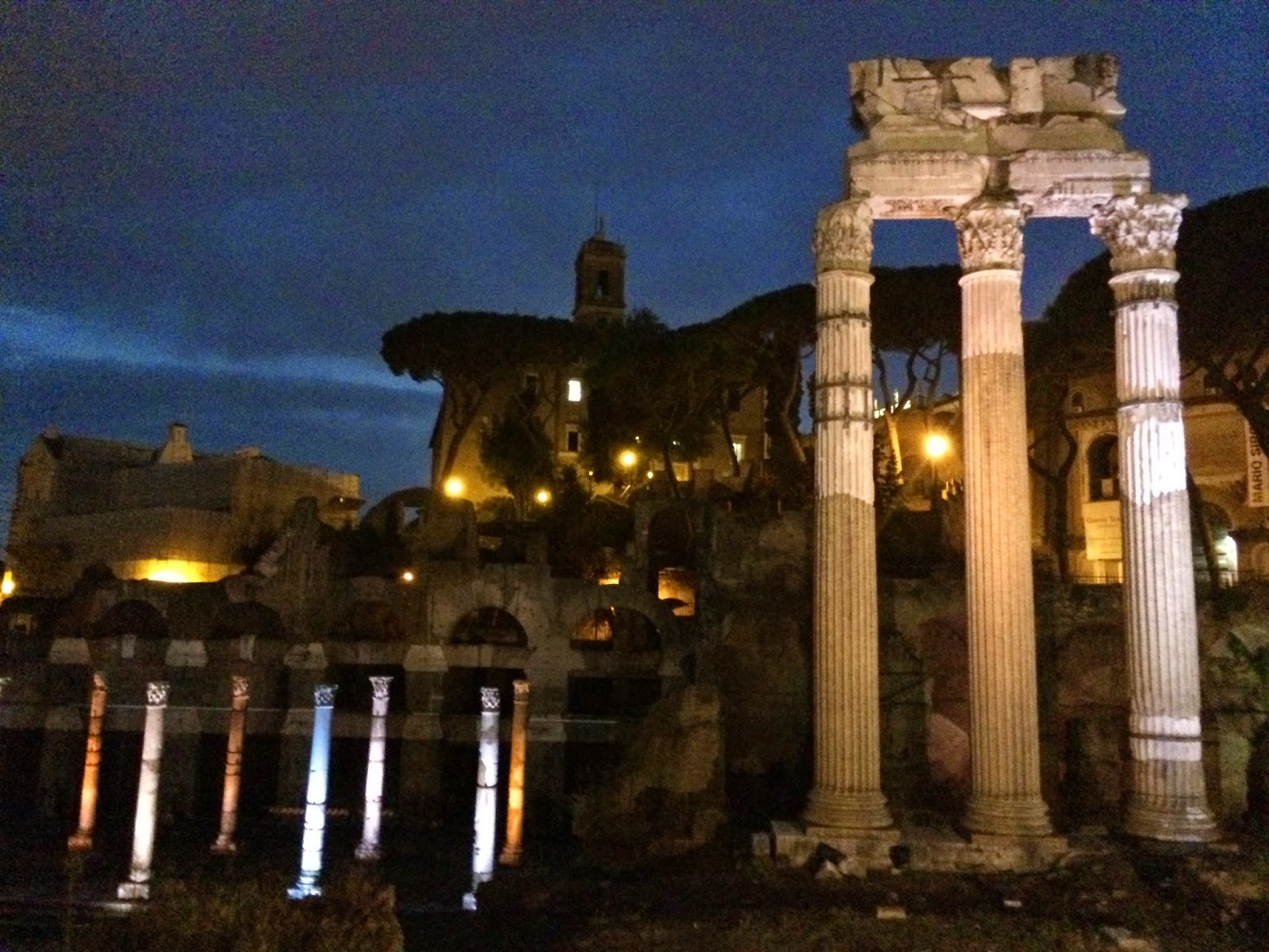 Monuments-At-Night-Roma-5-Things-I-Adore-About-Rome