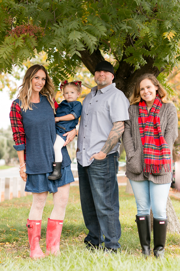 red hunter boots family holiday card pics