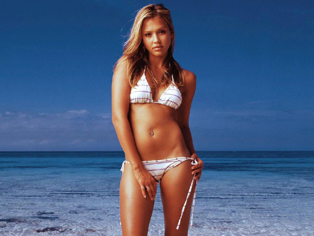 Jessica alba bikini ass pose