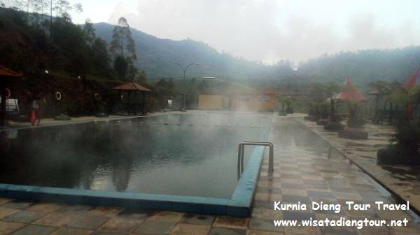 kolam air hangat dqiano water park dieng