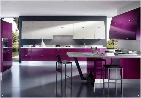 Aksen Warna Ungu Pada Dapur