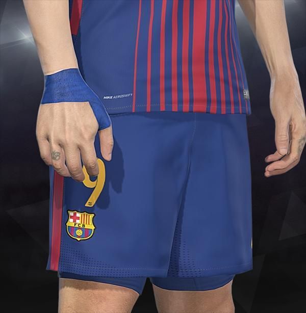 Luis Suárez with Blue Wrist Strapping PES 2018