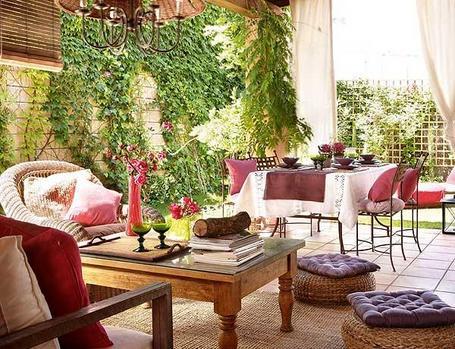 La guarida de bam porches r sticos - Decorar pared porche ...