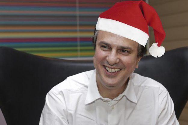 Camilo anuncia antecipação do mês de dezembro dos servidores e dá boa-nova para docentes