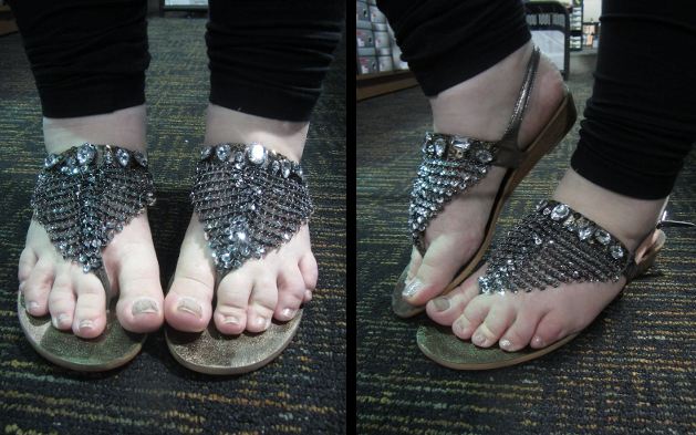 8e1b795162d7de I picked up a super cute pair of new sparkly flats for  20 and thought that  they were pretty enough to deserve this post!