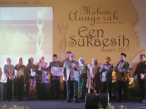 Penerima penghargaan Een Sukaesih Award 2017