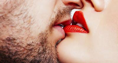Κόλπα για να δώσεις το ωραιότερο φιλί