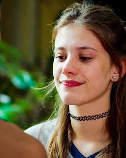 Anjinha (Caroline Dallarosa)