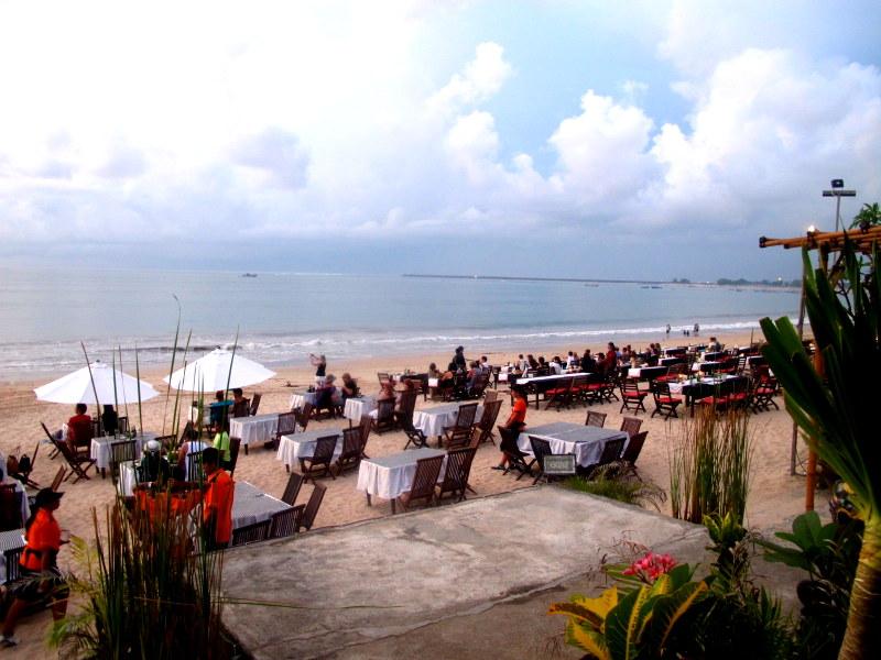 Sunset dinner @ Jimbaran Beach