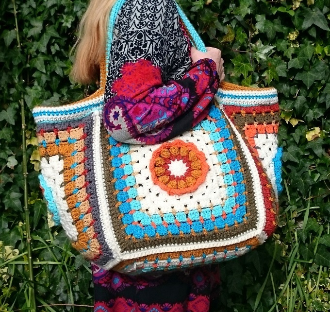 Crochet Project Bag : My Fridas flowers crochet project bag - Lazy Daisy Jones