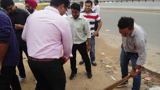 Knowlarity celebrate 7th Anniversary by contributing to Swachh Bharat Campaign