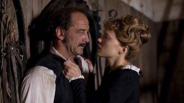 Joseph (Vincent Lindon) et Célestine (Léa Seydoux) dans Le journal d'une femme de chambre de Benoît Jacquot (2015)