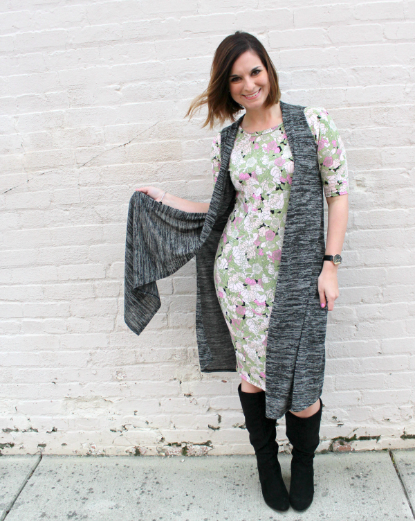 lularoe, lularoe style, how to style lularoe, style on a budget, mom style
