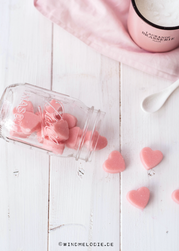 Valentinstag DIY rosa Peelingherzen