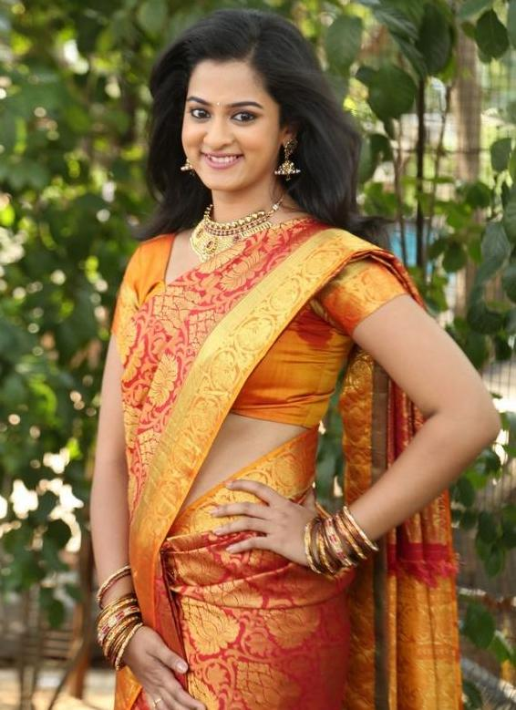 South Indian Girl Nanditha Raj Hip Navel In Red Saree At Movie Launch