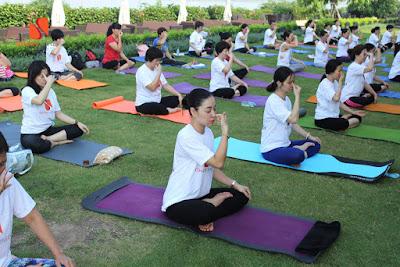tập yoga mỗi sáng