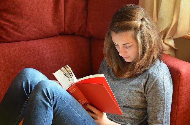 kitap kız