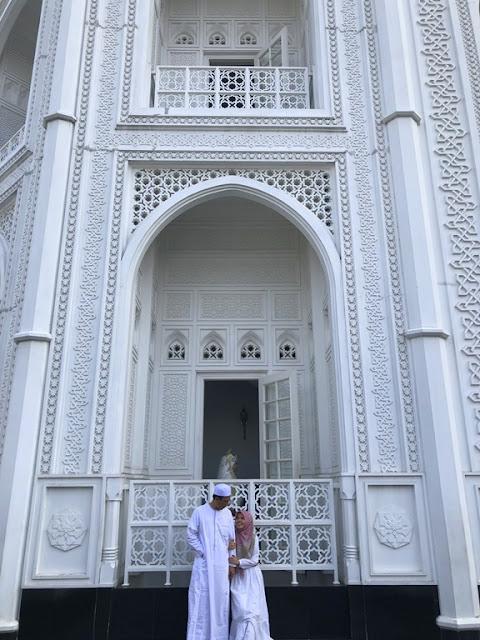 Masjid Ramlie Musofa monumen cinta taj mahal