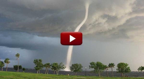 (VIDEO) ALLAHUAKBAR!!! Bukti Kekuasaan ALLAH!!! Ribut Kencang Ini Berhenti Seketika Ketika Azan Dilaungkan!!! SEBAR PADA SEMUA!!!