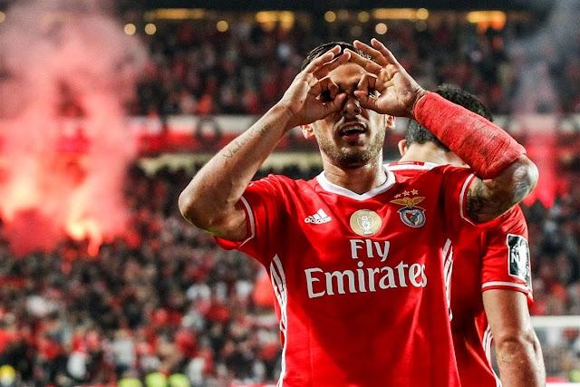 Benfica vence o dérbi de Lisboa e segue líder