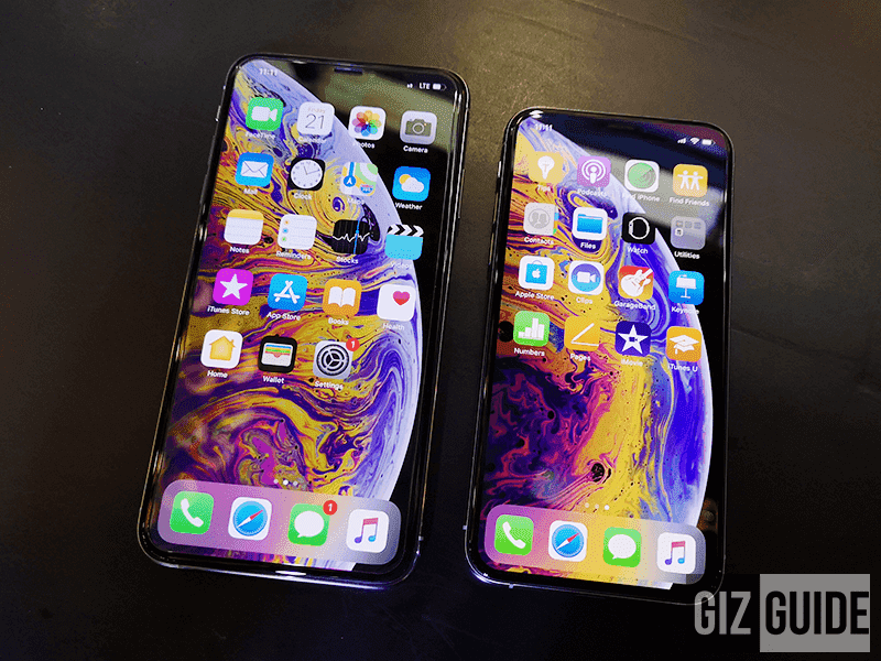 Apple iPhone XS Max (left) and XS (right)