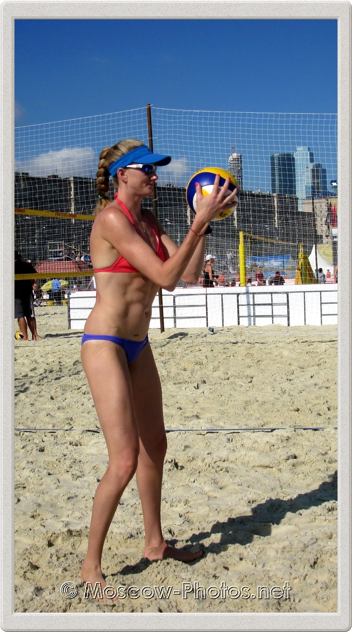 Kerri Walsh on practice court