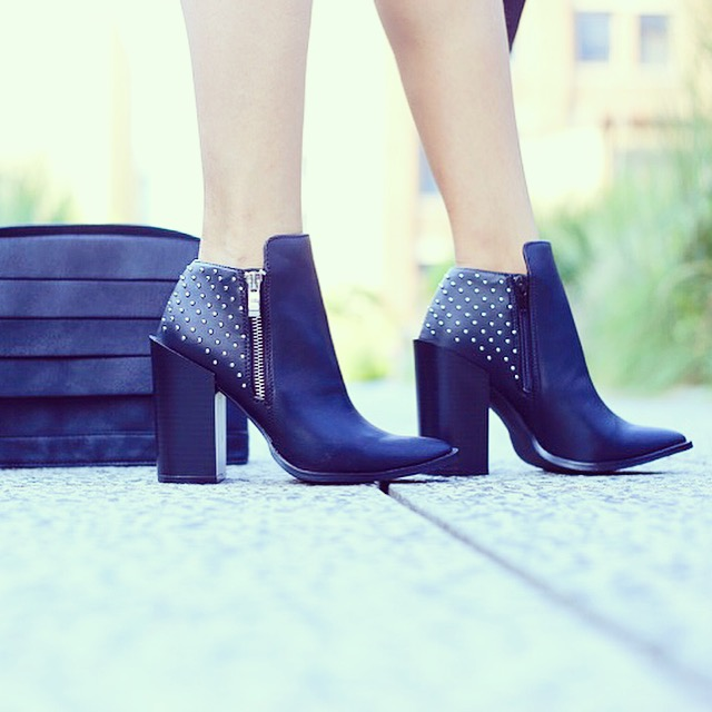 justfab style, justfab online, justfab, justfab boots, ankle booties, pointy toe ankle booties, fashion blog