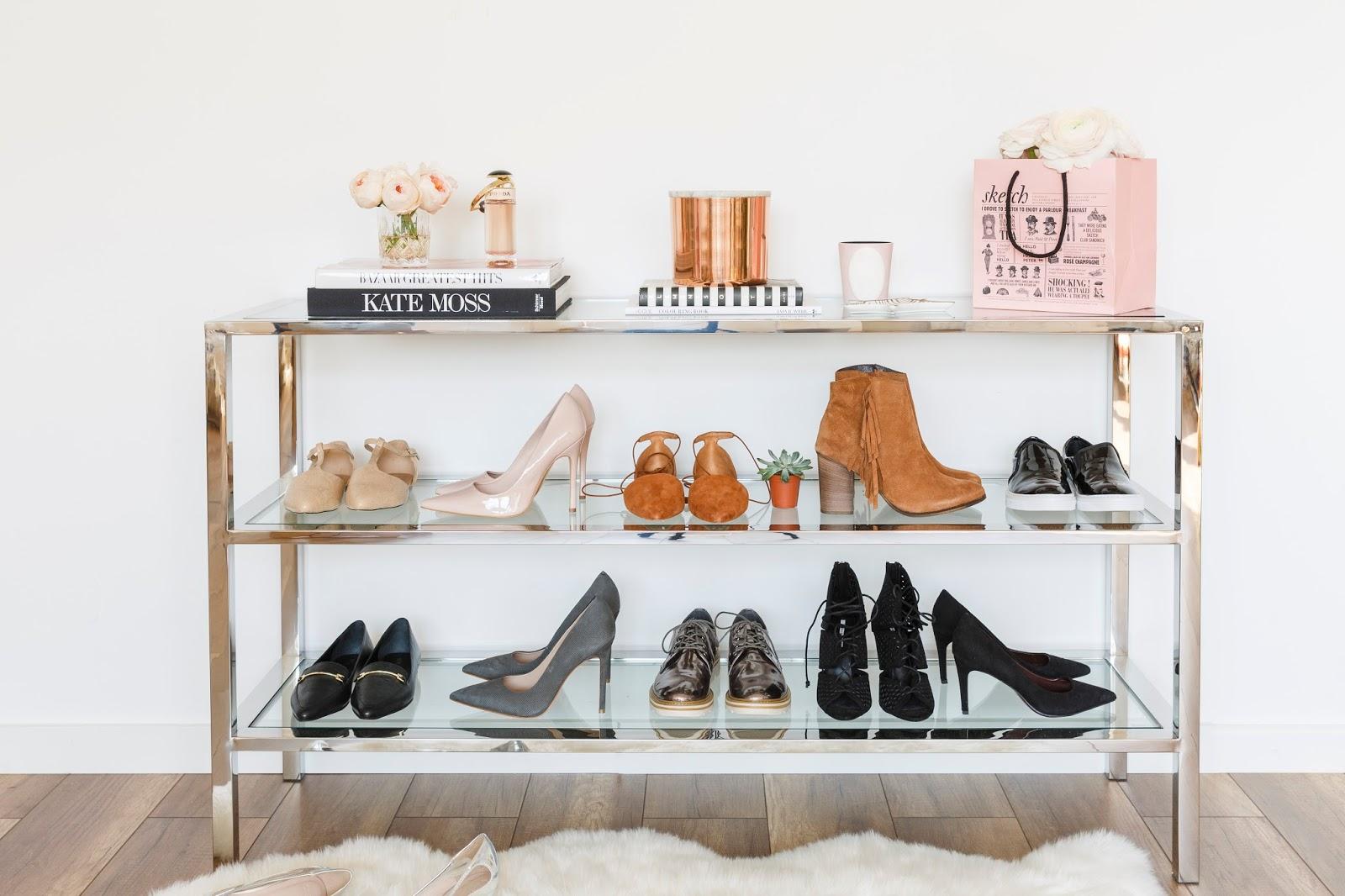 67b4594aa280 Ben jij net zoals ik een echte shoe lover. En heb je zoveel schoenen in je  kamer staan en weet je gewoon niet meer waar je ze laten moet.