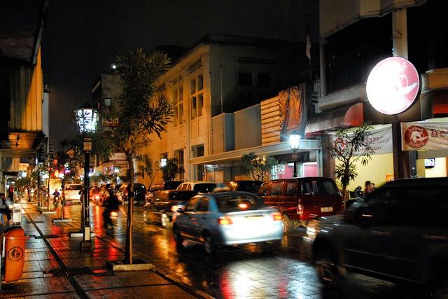 wisata malam di jalan braga bandung