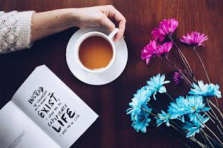 Entre as xícaras de um café...