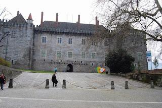 palais des ducs Bragance Guimaraes entrée