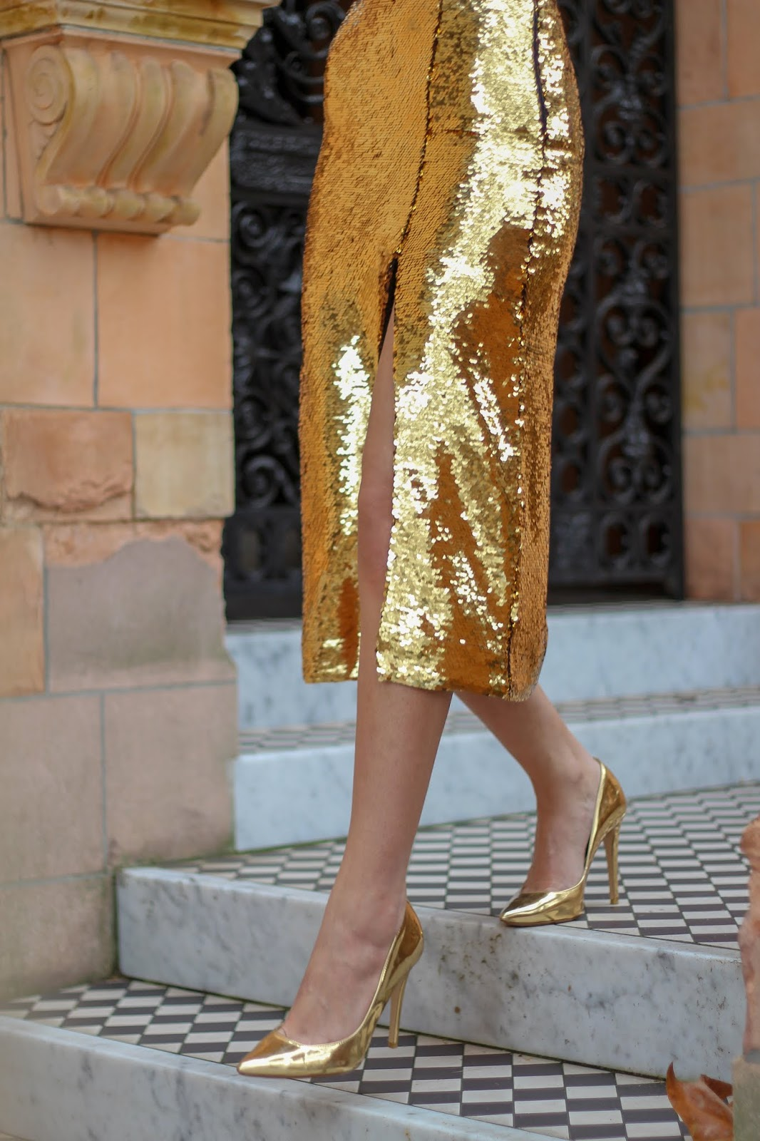 peexo gold sequin midi skirt