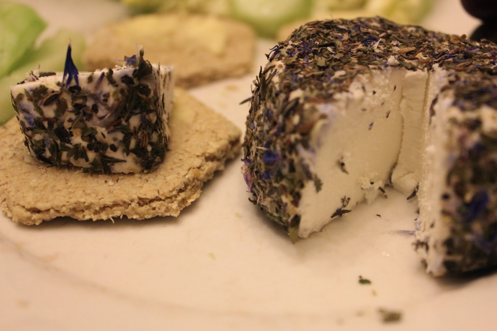 Raw organic goats' cheese and organic oatcakes