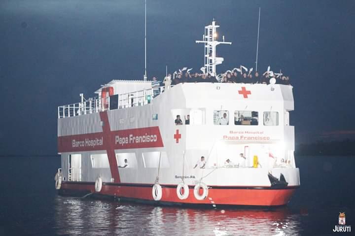 Missa marca inauguração dos serviços do barco hospital Papa Francisco em Juruti