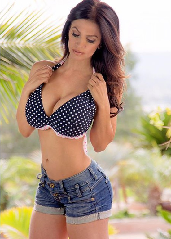 Fitness Model Denise Milani hot photos