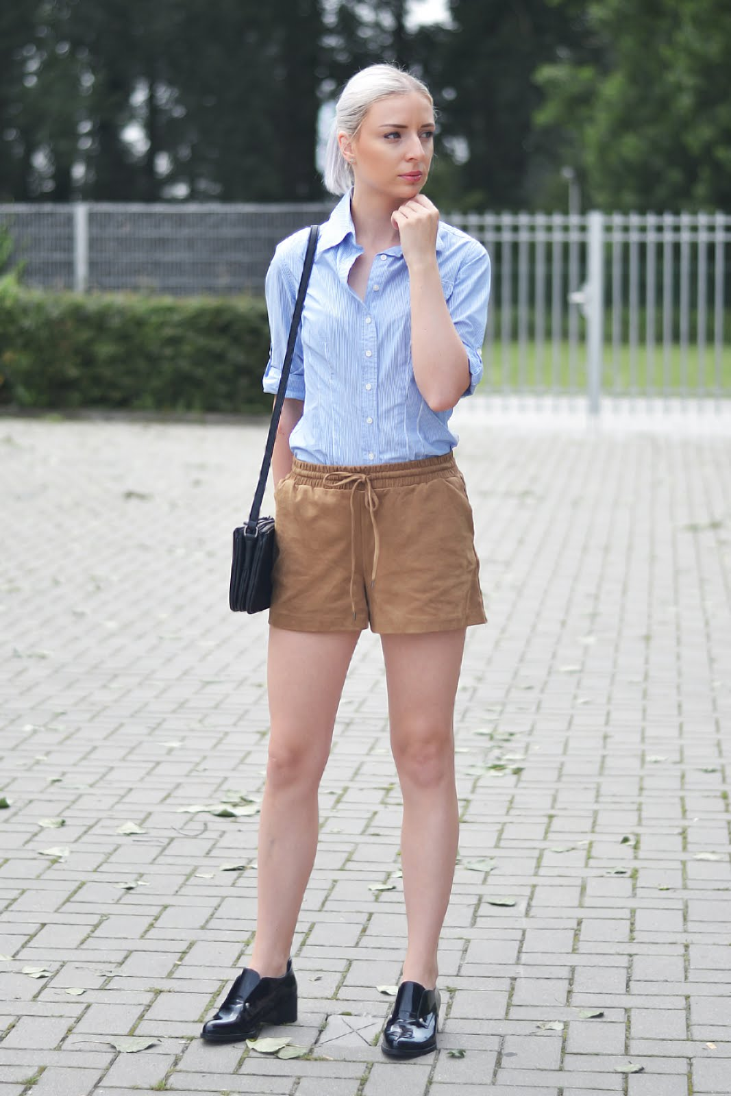 Striped blue shirt, suede shorts, sacha shoes, patent, outfit, liu jo trio bag