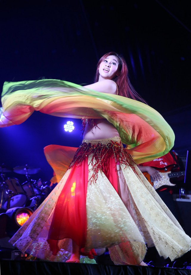 Besides the better money, foreign getai singers also face little red tape from the authorities. They are not required to apply for a work pass to work here while on their social visit pass, which is subject to a maximum period of 60 days. Rising Malaysian getai singer- dancer Sun Cola, 18, for example, leaves her house in Johor Baru by 4pm to get to a 7.30pm show in Singapore.