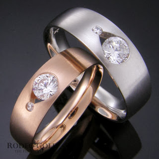 http://www.rodeogold.com/new-engagement-rings/gold-engagement-rings-tcr29064#.UpoPnI2ExAI