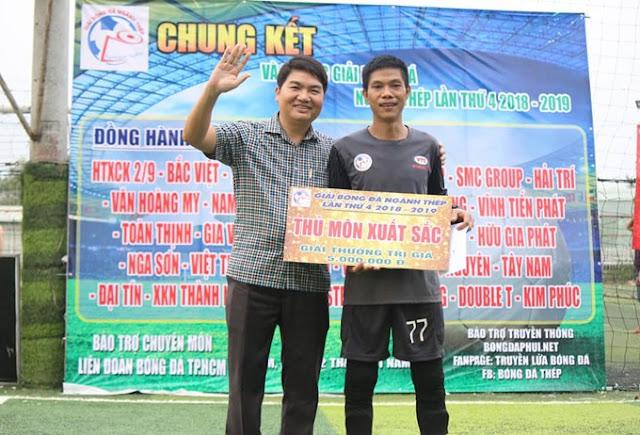 Tiến Chi của Việt Thắng nhận giải Thủ môn Xuất sắc nhất