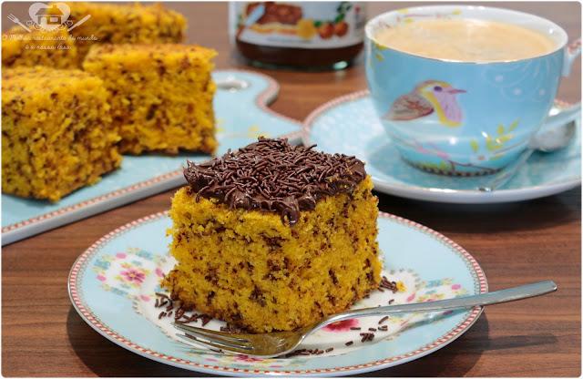 Resultado de imagem para bolo formigueiro de cenoura com cobertura de nutella