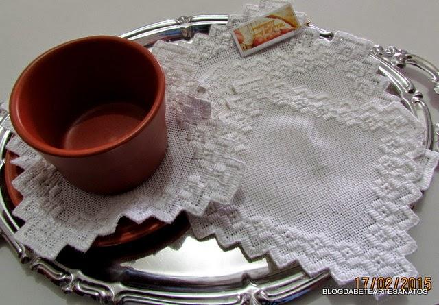 Toalha de Bandeja em Hardanger - Individual Chá