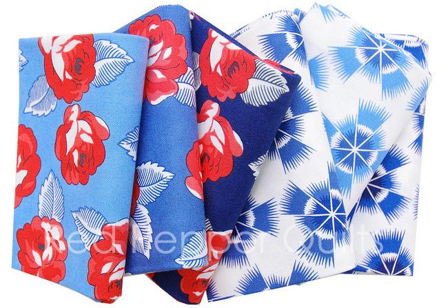 Feed Sacks: True Blue by Linzee Kull McCray for Moda Fabrics | © Red Pepper Quilts 2018 #sundaystash #feedsackfabric #modafabrics