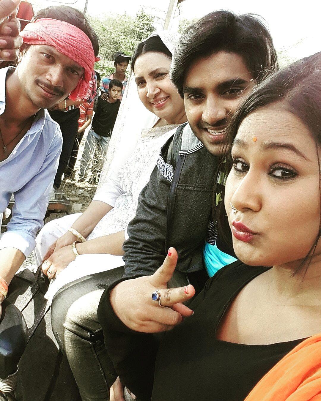Pradeep Pandey 'Chintu', Priyanka Pandit Shooting stills of Bhojpuri Movie Deewane