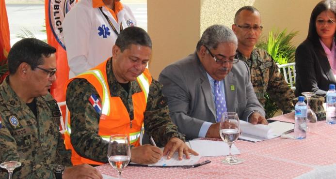 Dotarán de seguro médico a voluntarios de la Defensa Civil