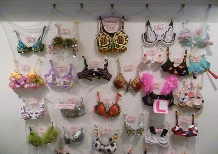 Bra decorating competition & QuiltNSW Blog: Bra decorating competition