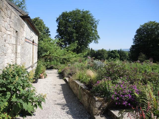 June Blake's Garden im Juni
