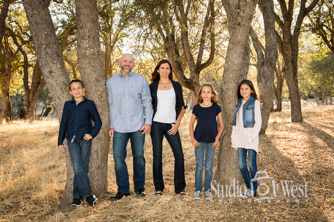 family portrait photographer - outdoor family portraits - Atascadero portrait photography - Studio 101 West Photography